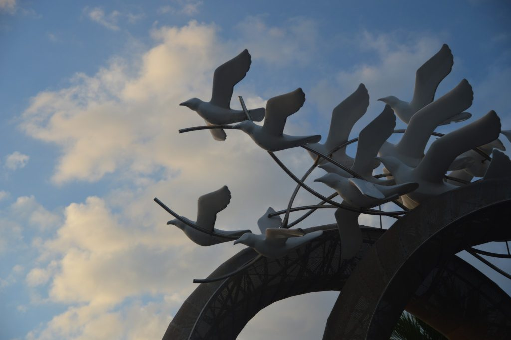 Bird Sculpture Pattaya Beach November 2016 © Luchia Houghton